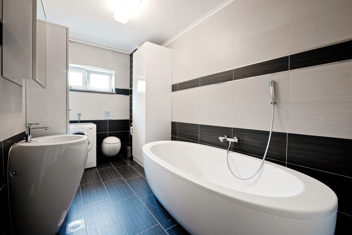 Spruce up your bathroom with a renovation this season!